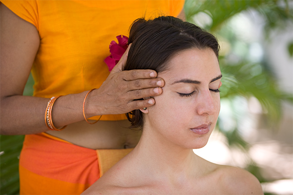 Ayurveda Massagen im Surya Lanka Ayurveda Hotel