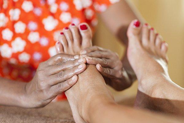 Foot massagen Im einem Ayurveda Hotel in Sri lanka
