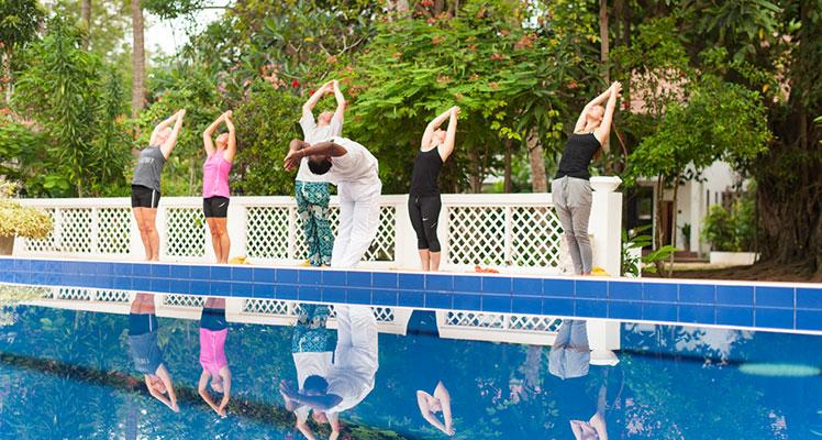 Sri Lankan Yoga bei Surya lanka Ayurveda Hotel